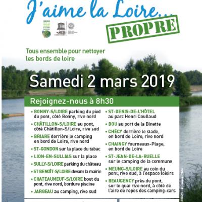 Collecte de déchets aux bords de la Loire